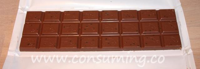 Åpnet M sjokolade