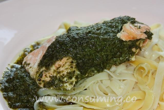 laks med pesto og pasta